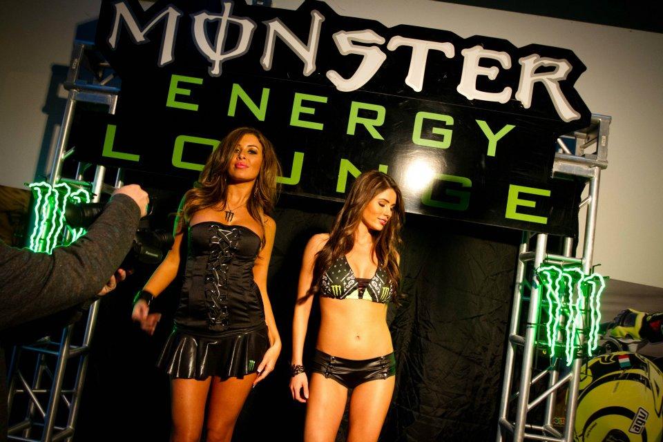 Les dessous du calendrier 2012 des Monster Girls