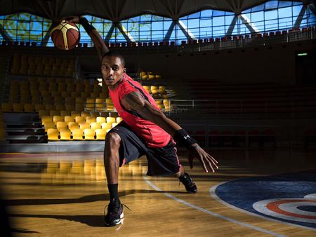 La NBA et Under Armour établissent un partenariat pluriannuel