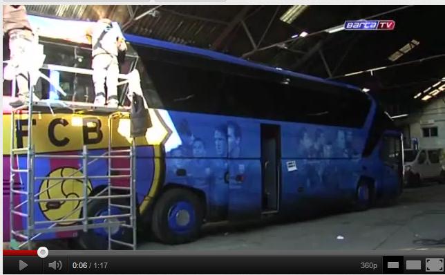 visitez le nouveau bus du fc barcelone vid o. Black Bedroom Furniture Sets. Home Design Ideas