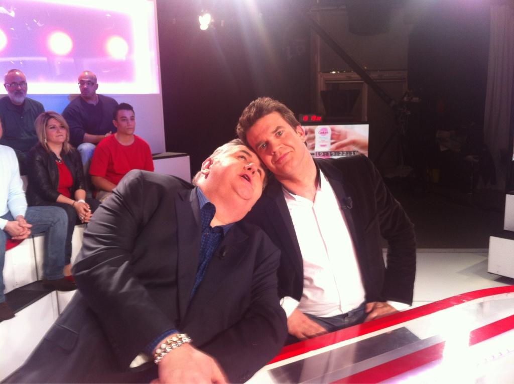 (Twitpics) Hervé Mathoux et Pierre Ménès sur le plateau de Morandini