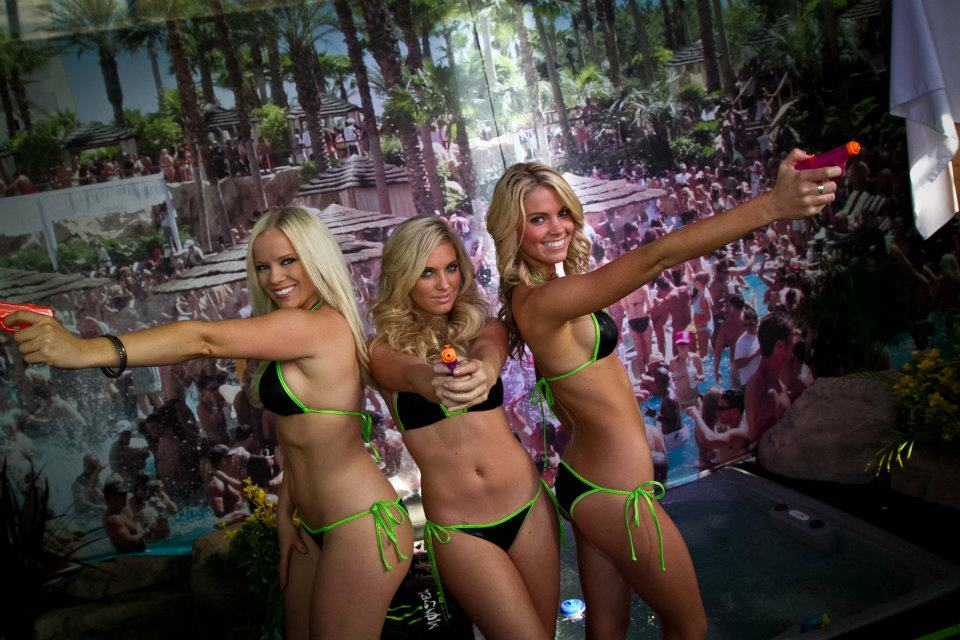 Le Glamour made in USA des Monster Girls du Supercross 2012