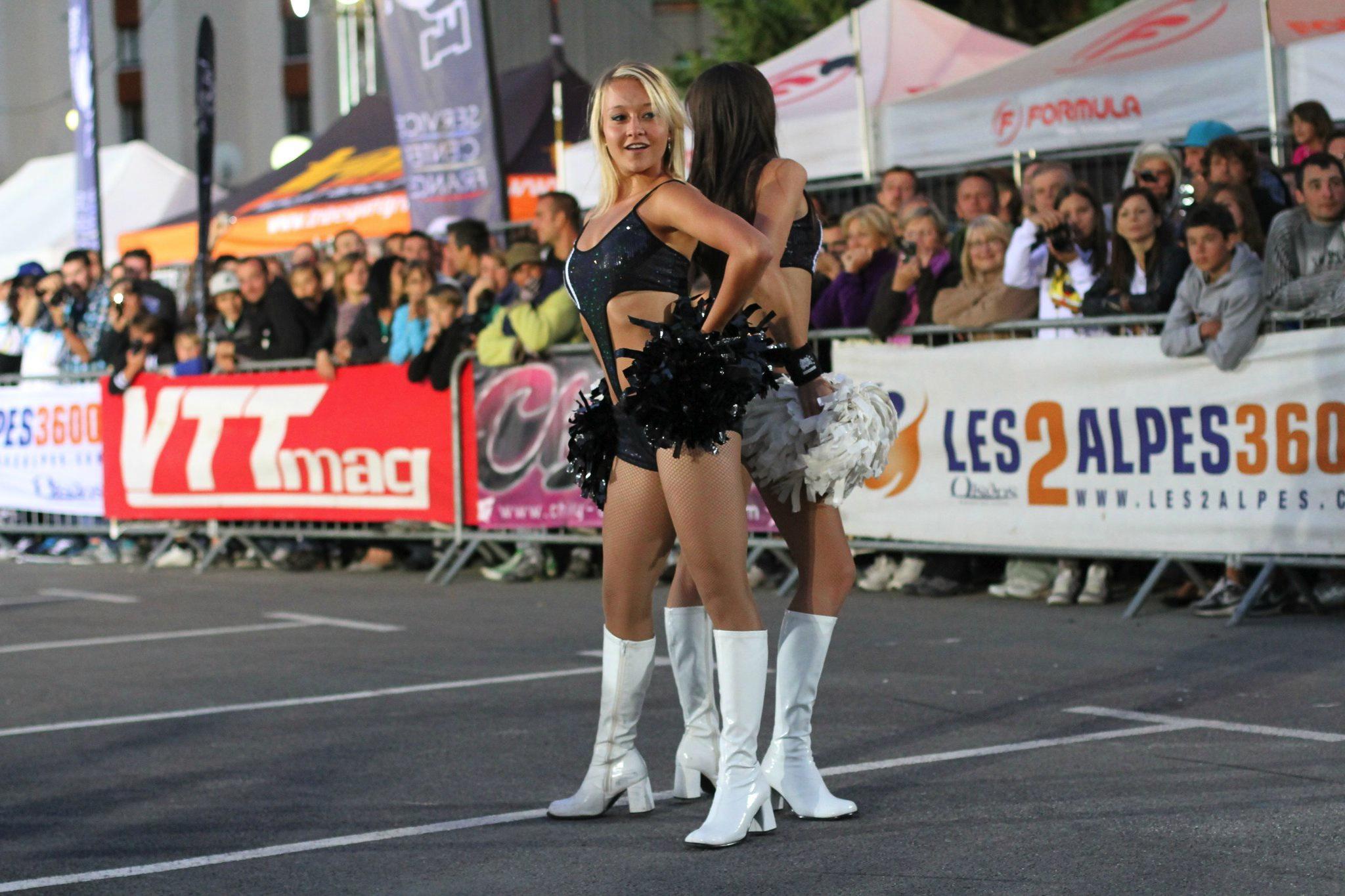 Découvrez les Pink Ladies, la touche Glamour du Sport Spectacle