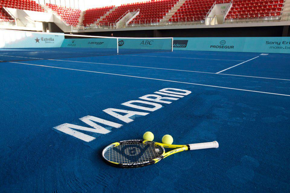 Comment fabriquer un court de tennis en terre battue bleue ?