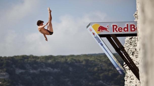 Red Bull, Monster Energy… Les boissons énergisantes bientôt interdites de sponsoring sportif ?