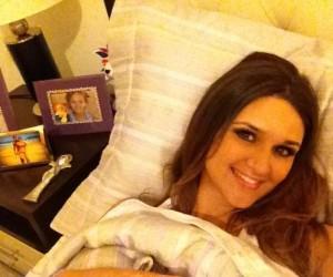 Twitpic : Leryn Franco invite ses followers dans son lit
