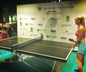 Ping Pong Sexy pour promouvoir une exhibition de tennis à New York avec Nadal, Del Potro, S. Williams et Azarenka