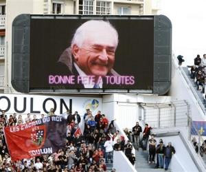 Journée de la Femme : Une photo de DSK s'affiche sur l'écran géant du Stade Mayol de Toulon (Rugby)