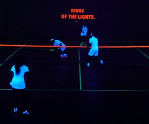 Roland Garros 2013 – Nike organise un Tennis Nocturne Fluorescent pour Federer, Nadal, Sharapova et S. Williams (#kingsofthelights)