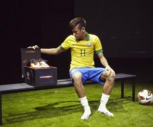 «Neymar n'est plus un athlète Nike» – Puma prochain équipementier de la star brésilienne du PSG ?