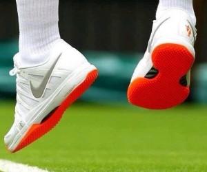 Wimbledon oblige Roger Federer à ne plus porter ses chaussures Nike Orange