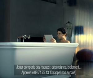 Pendant son bain, Rafael Nadal joue au Poker !