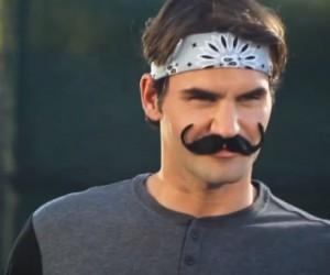 Roger Federer et sa fausse moustache pour passer incognito !