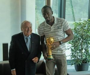 Usain Bolt rencontre Sepp Blatter au siège de la FIFA à Zurich