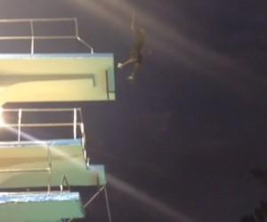 Plongeon de 12 mètres de Kobe Bryant dans sa première vidéo Vine