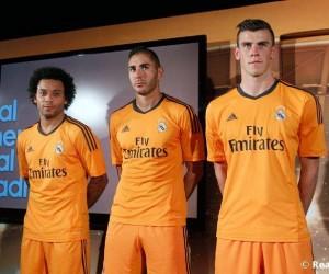 Real Madrid – Benzema et Bale dévoilent le maillot orange spécial Ligue des Champions (adidas)