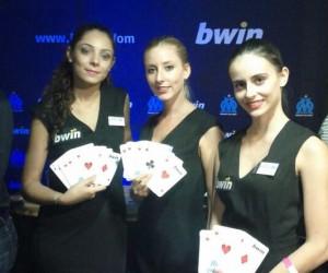 OM – PSG : bwin transforme la pelouse du Stade Vélodrome en tapis de poker géant