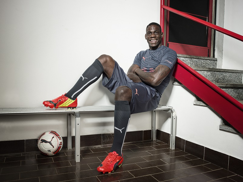 Mario Balotelli wears PUMA evoPOWER iFG football boots