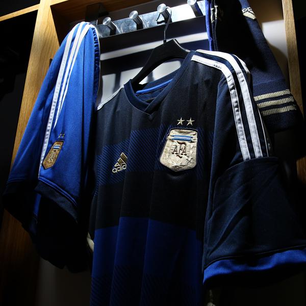 Coupe du monde 2014 les maillots away de l 39 espagne l 39 allemagne l 39 argentine et la russie adidas - Equipe argentine coupe du monde 2014 ...