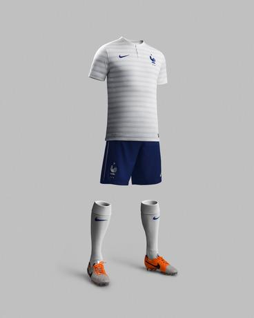 Cdm 2014 nouveau maillot ext rieur de l 39 equipe de france nike - Maillot equipe de france coupe du monde 2014 ...