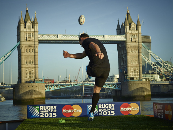 mastercard dan carter tower bridge rugby coupe du monde 2015