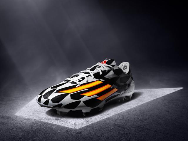 adidas black & white boots world cup 2014 brasil