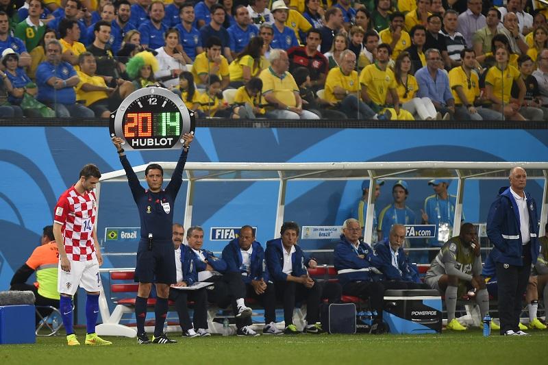 hublot panneau arbitre coupe du monde 2014 montre