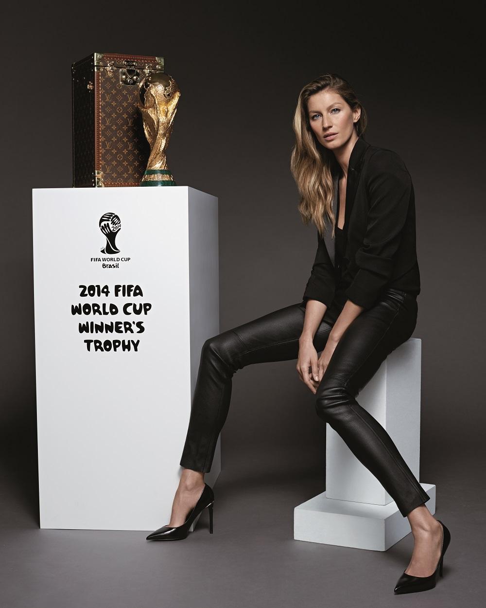 Gisele Bundchen malle Trophee Louis Vuitton Coupe du Monde de la FIFA 2014
