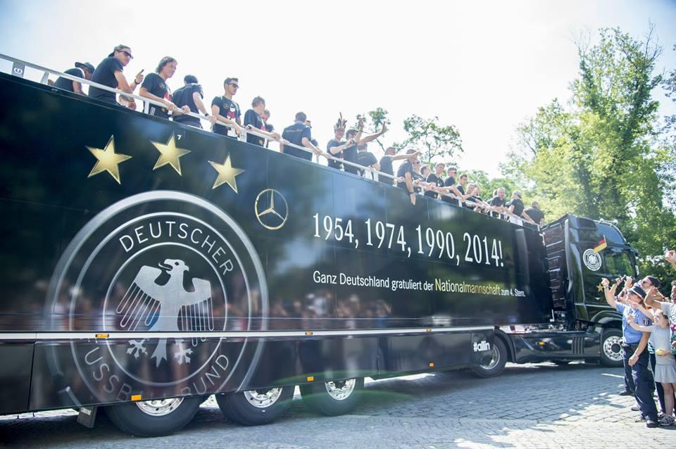 bus mercedes 4ème étoile allemagne coupe du monde 2014