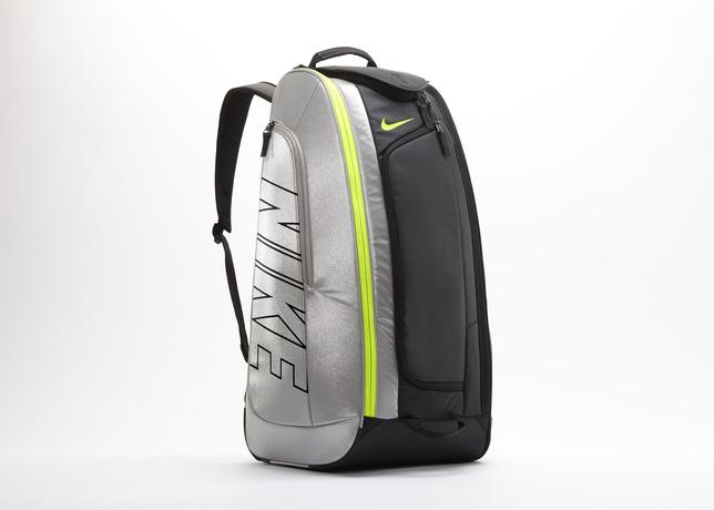 Nike d voile son nouveau sac de tennis court tech 1 for Prix d un court de tennis