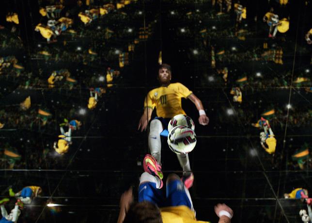 Neymar_Mirrors_nike hypervenom commercial