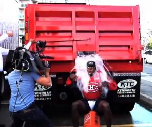 Ice Bucket Challenge – Un camion d'eau glacée pour le joueur de hockey PK Subban (Canadiens de Montréal)