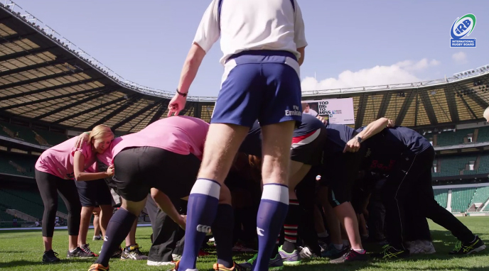 1 008 personnes record mêlée rugby Twickenham Stadium