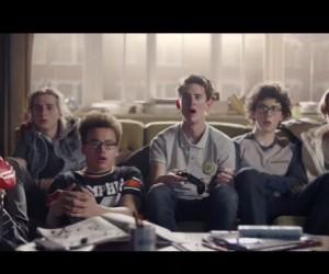 Les joueurs de FIFA 15 au coeur de la nouvelle publicité du jeu vidéo d'EA SPORTS