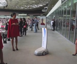 Un Fan de l'OGC Nice plonge dans les coulisses d'un match à l'Allianz Riviera en pilotant le robot «Inside BOT» de chez lui