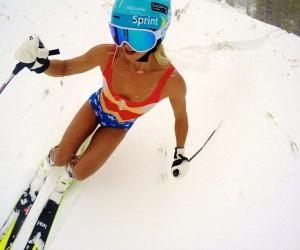 La skieuse Julia Mancuso en Wonder Woman pour GoPro