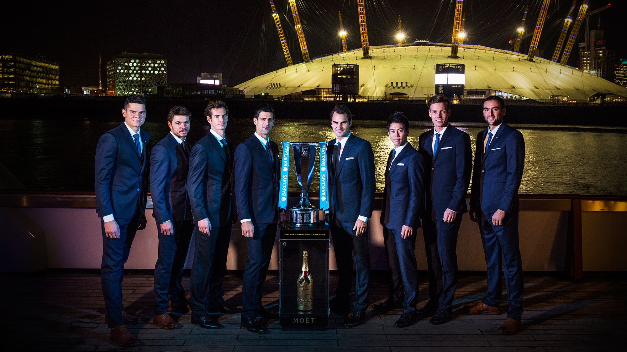 london-finale-2014-launch-trophy-2000