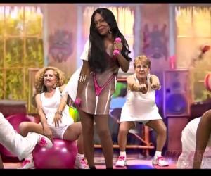 Les «mamies» du Heat de Miami parodient le clip Anaconda de la chanteuse Nicki Minaj