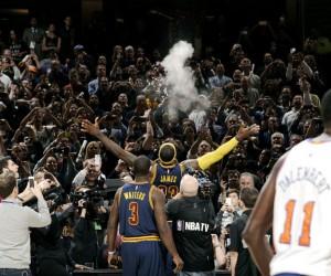 Fan Experience : le show impressionnant des Cleveland Cavaliers pour le retour de la NBA et de LeBron James