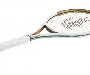 Lacoste présente sa nouvelle raquette de tennis composée à 70% de bois et vendue 550€