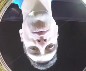 Une GoPro cachée dans le trophée de l'Open d'Australie surprend Novak Djokovic