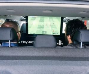 PlayStation offre des places pour PSG-Chelsea à bord d'un Nissan à commander sur Uber, une opé qui dérange