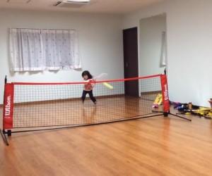 Une campagne de crowdfunding pour Maki Otomo, une joueuse de tennis japonaise âgée de 4 ans