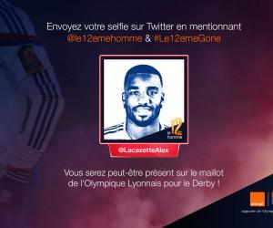 Des selfies de Fans affichés sur le maillot de l'Olympique Lyonnais face à l'AS Saint-Etienne