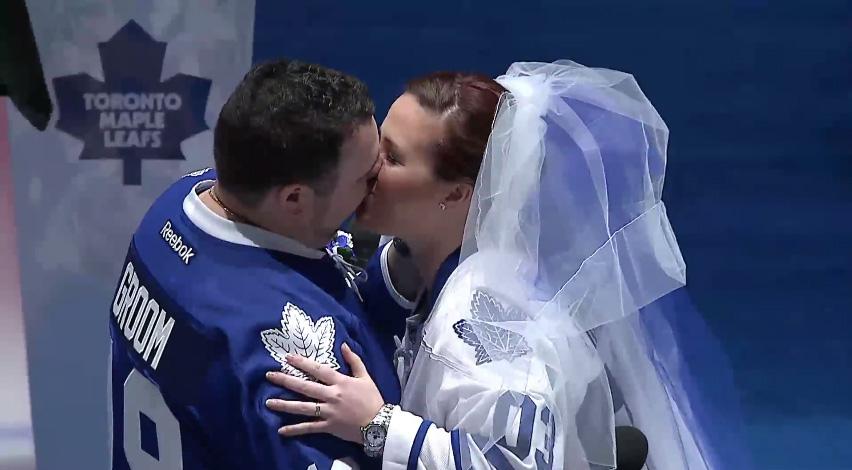 toronto maple leafs mariage fans NHL wedding