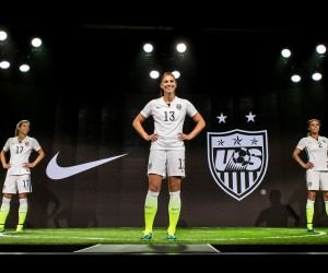 Le nouveau maillot Nike des USA pour la Coupe du Monde féminine de football loin de faire l'unanimité chez les américains