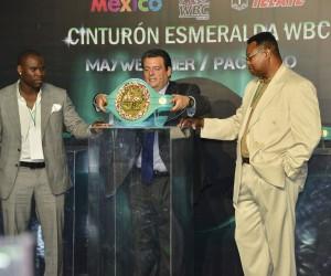 Une ceinture en émeraudes à 1M$ pour le vainqueur du combat de boxe Mayweather VS Pacquiao