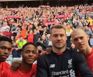 New Balance présente le nouveau maillot domicile 2015/2016 de Liverpool à Anfield Road