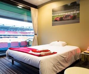 Nissan transforme le stade du MMArena en hôtel éphémère pour les 24 Heures du Mans