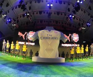 Le Nouveau Maillot away d'Arsenal 2015/2016 dévoilé à Singapour (Puma)