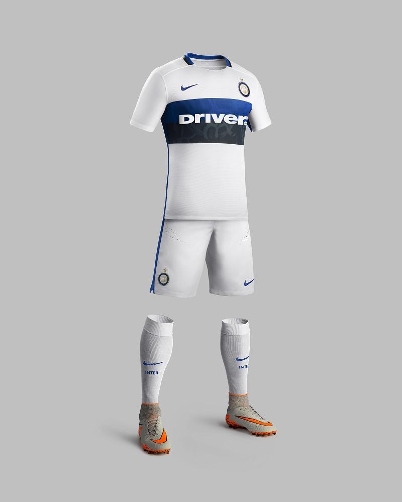 away kit inter milan 2015 2016 driver sponsor (Nike)